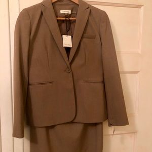 NWT Calvin Klein matching suit blazer and skirt